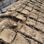 寝屋川市にて屋根修理(葺き替え) ~既存瓦おろし完了~
